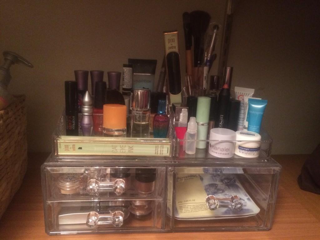 make up organizer filled